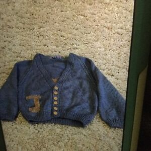 Boys handmade sweater - apprx size 9-12 months
