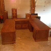 Solid oak executive desk (3 pieces + upper shelving units + +