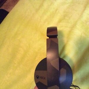 Great condition Xbox one headset (and adapter) make and offer St. John's Newfoundland image 2