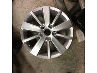 Volkswagen Golf 16 inch alloy