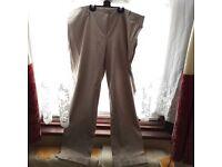 Ladies Capri pant Italian size 50