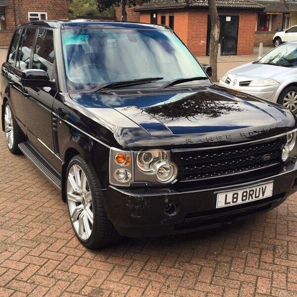 """Range Rover Vogue - recent service, 22"""" wheels. DRL's"""
