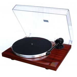 Pro-Ject 1-Xpression Carbon III ClassicTurntable (Mahogany)
