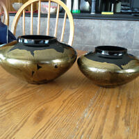 Contemporary black crystal bowls rolled in 23 carat gold