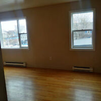 2 BR 2 Story Suite with Balcony -  Maynard St - ALL INCLUDED