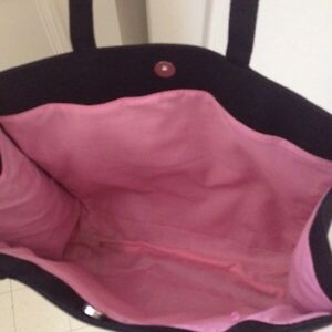 Excellent shape breast cancer awareness tote.  Kingston Kingston Area image 5