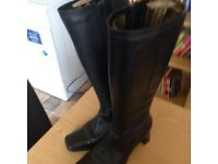 Ladies boots size 6 never been worn