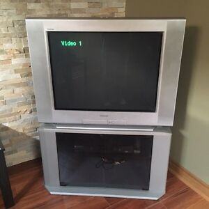 "32 "" SONY TV WITH STAND"
