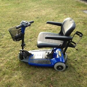 (New never used) Sonic Pride scooter and power hitch lift $1000 Kingston Kingston Area image 2