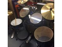 8 piece drum kit ex display new