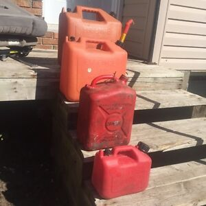 4 Gas Containers