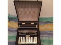 32 Bass 2 Voice Piano Accordion with 3 Couplers, Case & Straps, Great Condition! Made in Germany