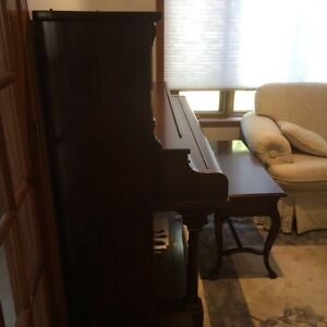 Piano **Immaculate Condition** West Island Greater Montréal image 2