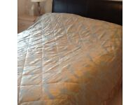 Quilted bedcover kingsize