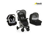 EXDISPLAY HAUCK MIAMI 4 FULL TRAVEL SYSTEM PRAM PUSHCHAIR UNISEX BLACK /SILVER CAR SEAT CARRYCOT.