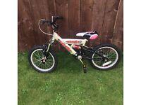 Boys bike 4-6 y