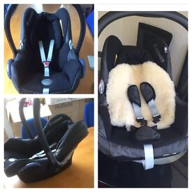 Maxi cosy car seat with head hugger and back support pillow for only £20