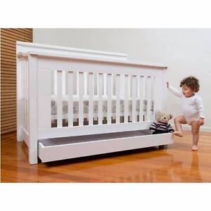 Brand NEW Cocoon Flair 5 in 1 cot (white) plus mattress protector Bellevue Hill Eastern Suburbs Preview