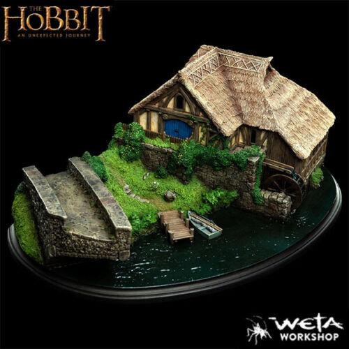 Weta Collectibles The Hobbit Hobbiton Mill and Bridge Polystone Environment New