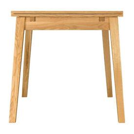 Habitat Ruskin extending oak dining table. Seats 6-8 people