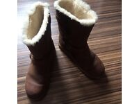 Uggs for sale size 7.5