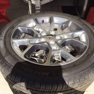 2016 Dodge Charger rims and tires with tpms sensors