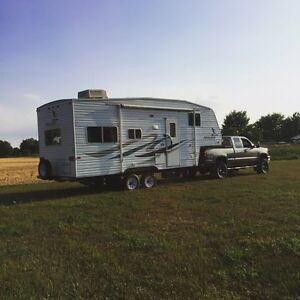 2007 Fleetwood mallard 5th wheel, winter storage available