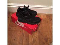 Triple Black Nike Huarache