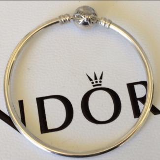 PANDORA charms // bangle bracelet
