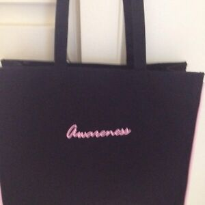 Excellent shape breast cancer awareness tote.  Kingston Kingston Area image 3