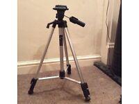 Lightweight camera tripod