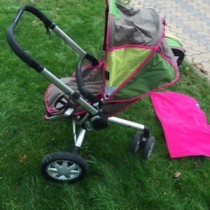 Quinny Buzz stroller with accessories