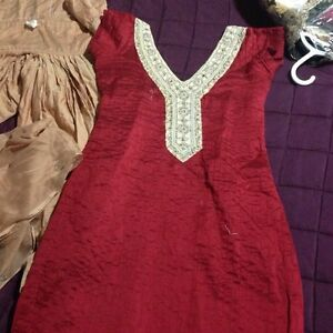 GOOD AS NEW RICH MAROON AND BEIGE V-NECK INDIAN SUIT!