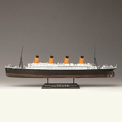 Academy R.M.S. Titanic ship with LED lights 1/700 plastic model kit new 14220 - Titanic Ship Model