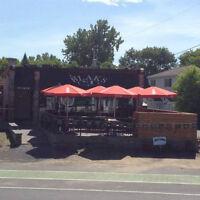 Bartenders & Waiters / Barman & Serveurs