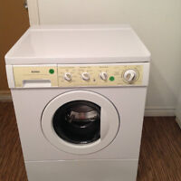 Washing Machine - Front Load - Kenmore - Like New