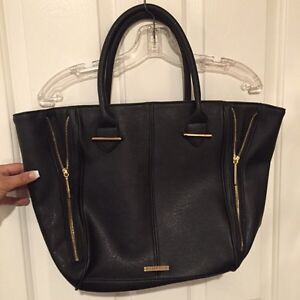 Black and gold large purse