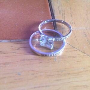 Pretty engagement ring sterling silver