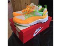 Nike air huarache light size 10 mango & lime