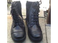 Goliath safety boots size 9