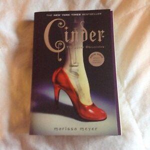 Marissa Meyer - Cinder (Book 1)