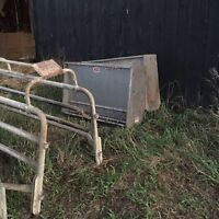 Sow farrowing crates