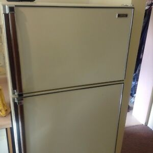 Admiral 18 cubic ft Frost Free Fridge