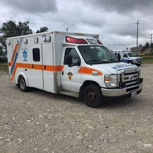 2008 FORD E-450 AMBULANCE ----ONLY---- $9995 ACT FAST London Ontario image 3