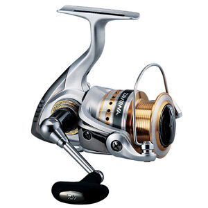Daiwa JAPAN Fishing Spinning Reel, BRAND NEW CREST 2000