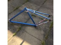 Bike frame with vinyl wrap carbon style