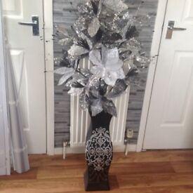 Standing vase