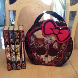 """Monster High: Ghoulfriends"" Set Of 4 Hardcover Books + Bag"