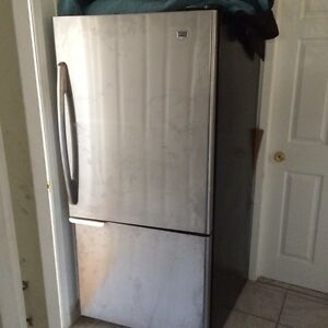 Frigidaire maytag stanless kome neuf