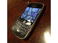Blackberry 9900 Touchscreen Smartphone Unlocked to all Networks Fully Working Can Deliver